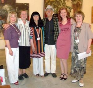 Е. Титова и С. Наумова во время поездки в Плевен (Болгария) на 9-ю международную писательскую конференцию в 2013 г.