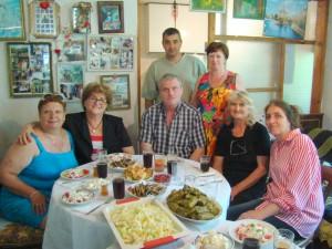 с.Тополи Болгария в гостях у семьи поэта Г.Чичарова 2014г.