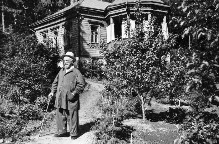 М.М. Пришвин в Дунино, 1950-е