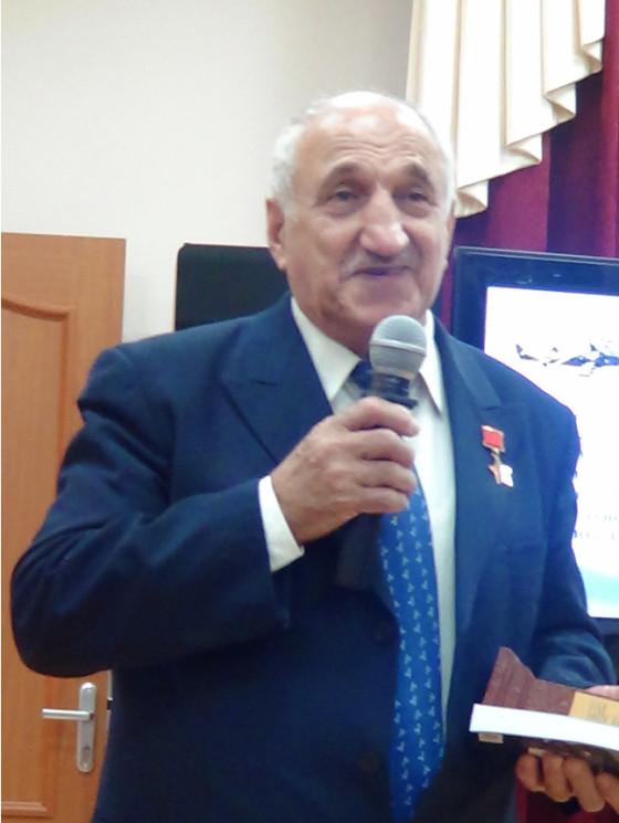 Герой Советского Союза Гасоян Владимир Бадоевич, штурман самолёта ТУ-134А