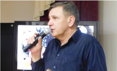 Олег Макаров – полковник авиации, Заслуженный военный лётчик, ведущий вечера