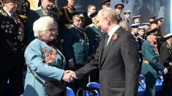 Г.П. Брок-Бельцова и В.В. Путин, 9 мая 2019 года, город Москва